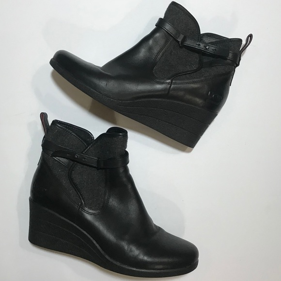 """3188e03c73b UGG """"Emalie"""" leather waterproof bootie- size 9"""